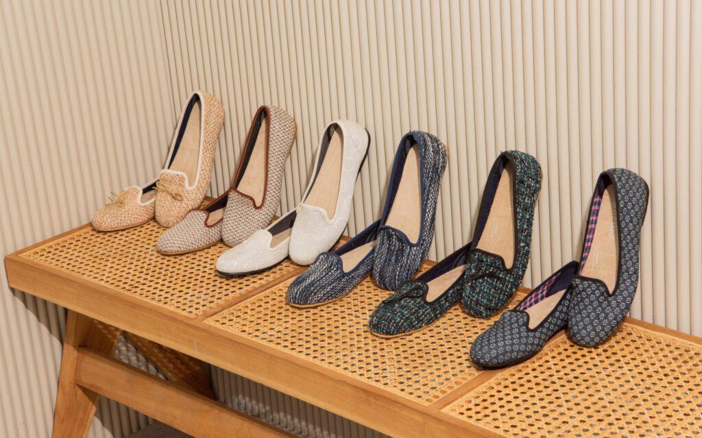 รองเท้าเพื่อสุขภาพผู้หญิงสีกรม